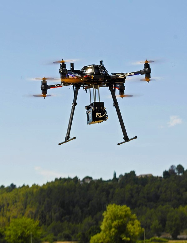 Sistema aeromobile e pilotaggio remoto dotato di sensore LiDAR